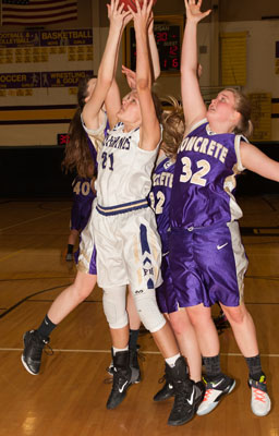 GIRLS BASKETBALL-8201.jpg