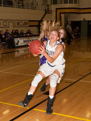 GIRLS BASKETBALL-8208.jpg