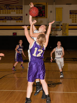 GIRLS BASKETBALL-8209.jpg