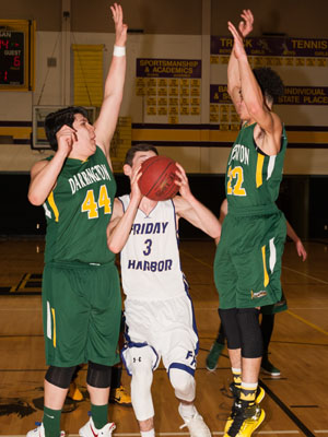 BOYS-BASKETBALL-7106.jpg