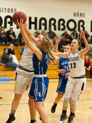 GIRLS BASKETBALL-P9792.jpg