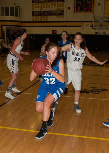 girls-basketball-4114.jpg