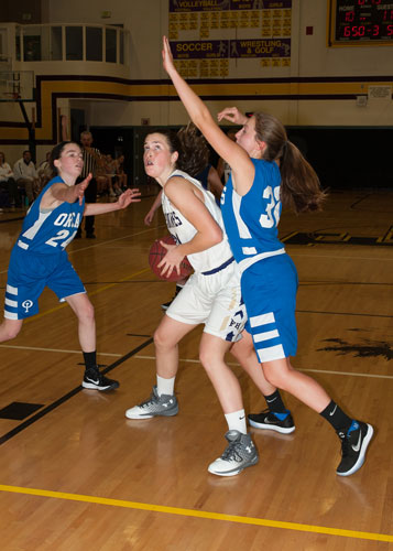 girls-basketball-4120.jpg