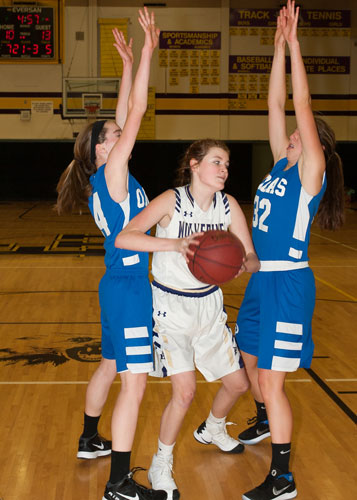 girls-basketball-4122.jpg