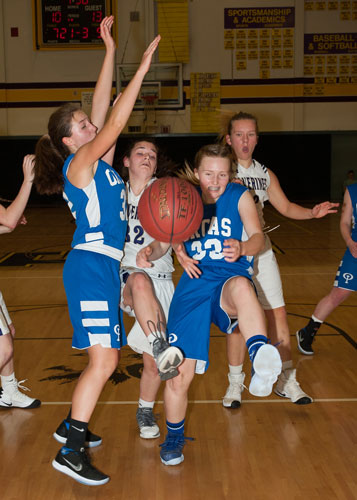 girls-basketball-4123.jpg