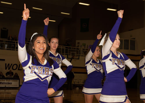 cheerleaders-3070.jpg